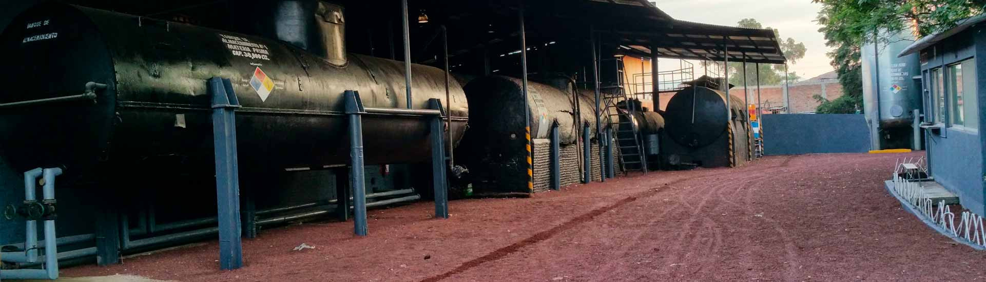 Elaboramos cualquier contra tipo de asfalto para uso industrial e impermeabilización.